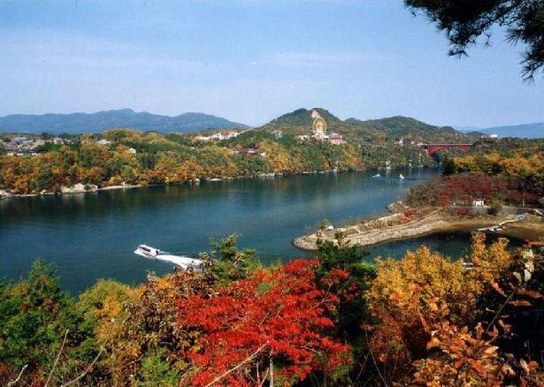 恵那峡県立自然公園の紅葉
