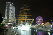 帆船日本丸クリスマスイルミネーション