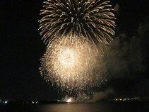 夏夜のテントウムシさん投稿の姫路港開港60周年記念 第41回姫路みなと祭 海上花火大会