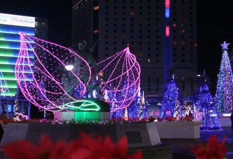 岡山駅前広場(東口)、西口広場一帯のイルミネーション写真