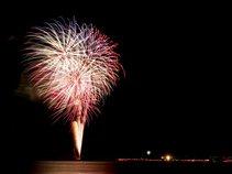Saradaさん投稿の第33回くろべ生地浜海上花火大会