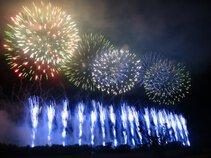 林衛さん投稿の第29回赤川花火大会「百華繚乱 ~夜空に重なる一人一人の物語~」