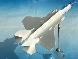 三沢航空科学館 プチワークショップ「スチレンペーパー飛行機」