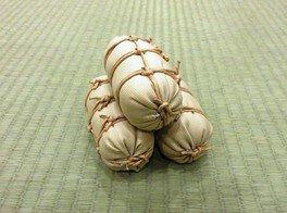 体験コーナー「ミニ米俵を作ろう」