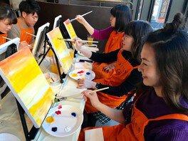 女子会やデートで絵を描こう、渋谷ペイントパーティー(6月)