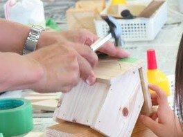 神戸市水の科学博物館 ネイチャークラフト 巣箱型の貯金箱を作ろう