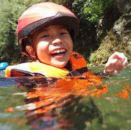 夏休み:年中さんも親子で楽しめる「はじめての川遊び」