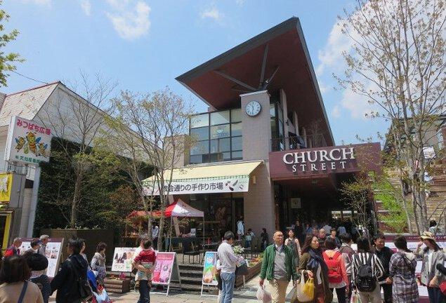 教会通りの手作り市場