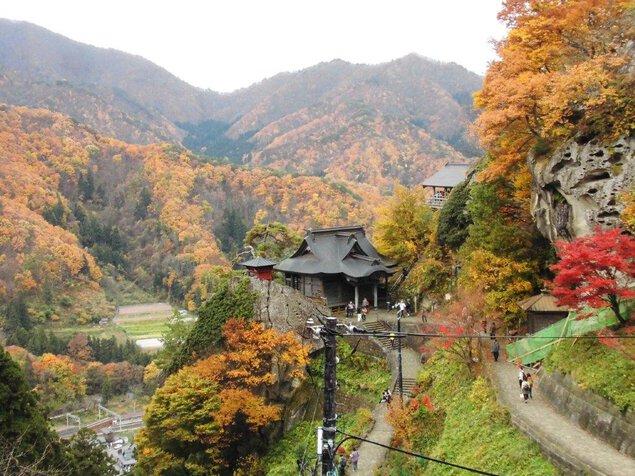 山寺の紅葉(山形県) |紅葉名所2020 - ウォーカープラス