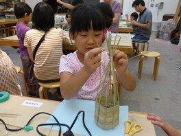 夏休み親子体験教室~七島イのランプシェード教室~
