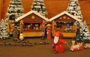 開館20周年記念特別展 クリスマスを彩る木工おもちゃ展