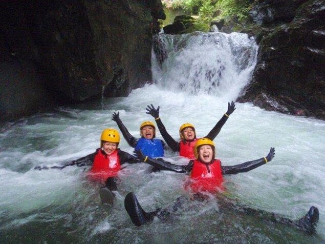キャニオニング 碓氷軽井沢 渓谷で水遊び  アウトドア体験ツアー