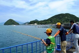 水族館で魚釣り!?  初めての魚釣りに挑戦!!