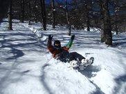 スノーシュー雪遊びツアー 「アドベンチャースライディング」 浅間軽井沢 バックカントリー  ソリ滑り