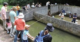 水辺公園 ニジマス釣りと塩焼き
