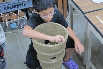 岩橋千塚古墳群の実物大の埴輪を作ろう2