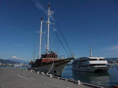 ヨーロッパで生まれた船「オーシャンプリンセス」の船内探検と富士山清水みなとクルーズ