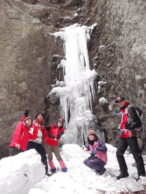 凍りついた滝を見に行く氷瀑鑑賞ハイキング 群馬赤城「氷柱&氷瀑めぐり」