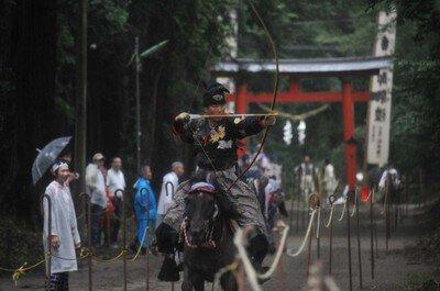 中村八幡宮例大祭「流鏑馬」