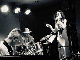 夏休み!Jazz Live Dr小畑孝廣Trio+Vo伊藤綾