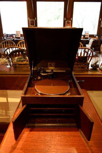 懐かしの再生音「蓄音機でSPレコード鑑賞会」