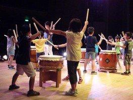 第25回 子どもアートピア探検ツアー ~和太鼓をたたいてみよう!~