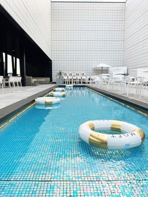 MOET&CHANDON PoolSide SkyTerraceーTOKYU PLAZA GINZA-Produced by Mynavi Retailing