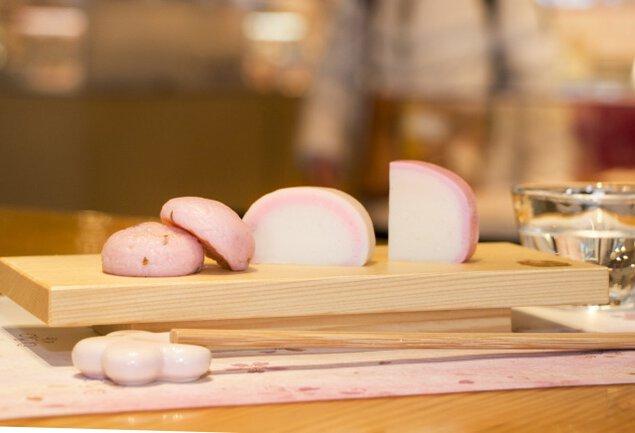 鈴廣かまぼこの里 桜の市 春限定かまぼこ食べ比べ