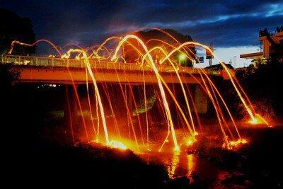信州の奇祭「榊祭り」