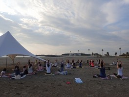 MORNING BEACH YOGA