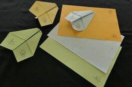 秋の博物館体験その2 ワークショップ「折り紙細工昔の遊び」