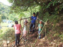 ヤックス自然学校「わんぱくコース 秘密基地作り&森のあそび」