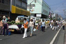 元祖しずくいし軽トラ市(8月)