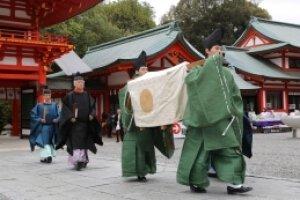 近江神宮例祭(近江大津宮遷都記念日)