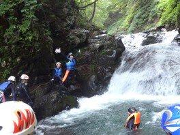 渓流で遊ぼう!シャワークライミング!