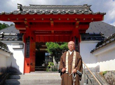 のんびり過ごす週末 宝泉寺で特別拝観と写経体験