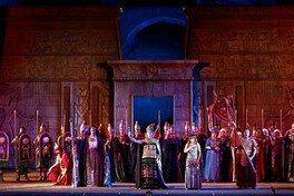 市民交流プラザ開館記念連携事業 オペラの衣裳と舞台美術 煌めく「アイーダ」の 世界