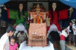 大人形と大提灯
