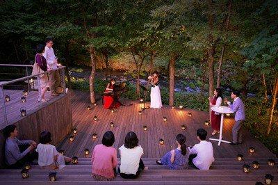 ハルニレテラス 水辺の音楽会