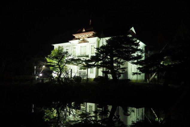 鶴岡冬まつり 大宝館ブルーライトアップ