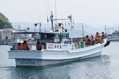 「捕鯨の里」体験航海と新鮮な海の幸を満喫
