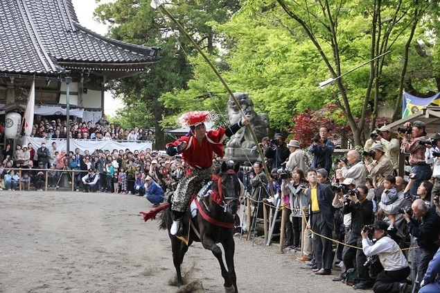 加茂神社春の大祭「やんさんま」