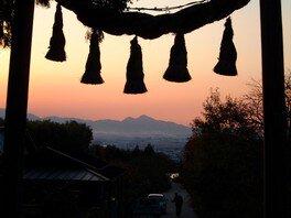 二上山に沈む夕日を観るハイキング