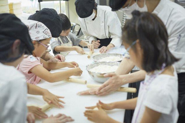 職人と一緒につくる「食パン製作体験会」
