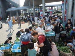 竜王駅前甲斐てき朝市(7月)