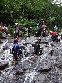 あしがらアドベンチャーキャンプ 本気で川遊びキャンプ