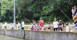 水辺公園 マス釣り・つかみ取り・塩焼き