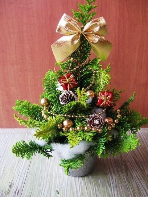 テーブルクリスマスツリー作り