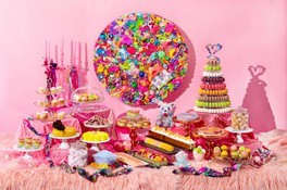 OWNER OF A COLORFUL HEART ピーチスイーツビュッフェ