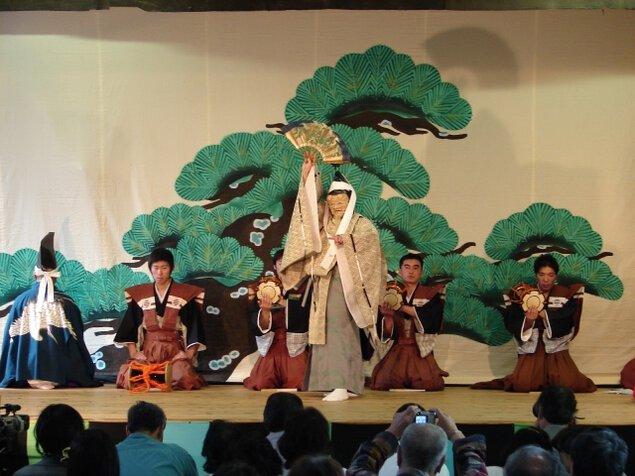河内神社春の例祭「山戸能・山五十川歌舞伎奉納上演」